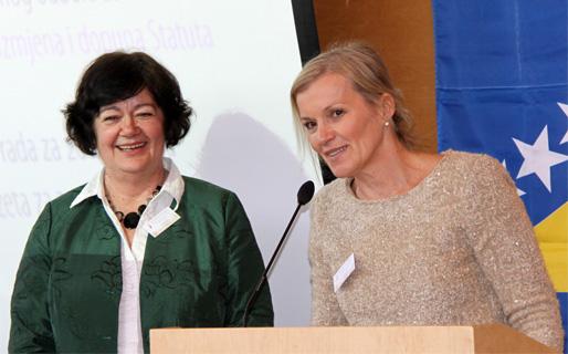 Emina Ćejvan och Senada Bešić, dåvarande och nuvarande BHKRF:s ordförande